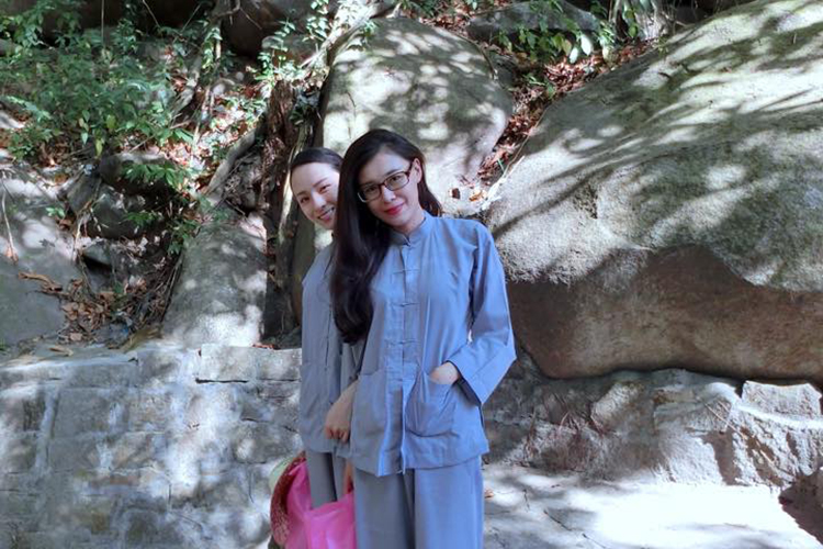 Chan dung nguoi ban vuong vong lao ly cung HH Phuong Nga-Hinh-5