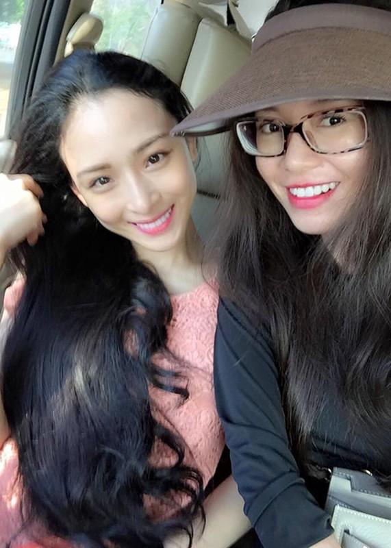 Chan dung nguoi ban vuong vong lao ly cung HH Phuong Nga-Hinh-7