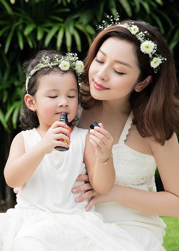 Mang bau lan 3 Jennifer Pham van rat xinh dep-Hinh-2