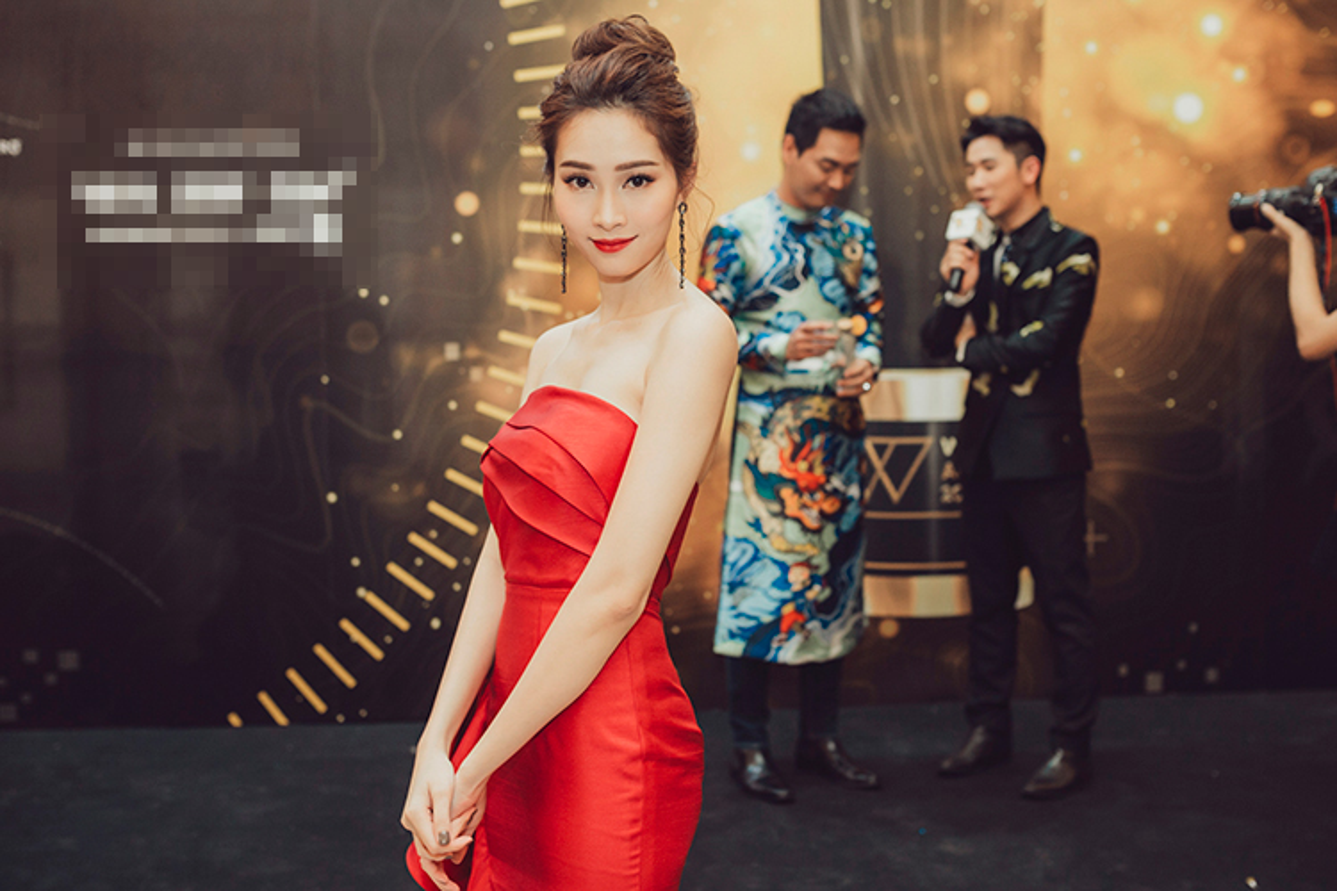 Thu Thao, Ky Duyen, Huyen My dep long lay tren tham do-Hinh-2