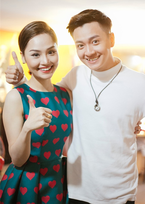 Ba cap doi man anh Viet hua hen gay bao nam 2017-Hinh-5