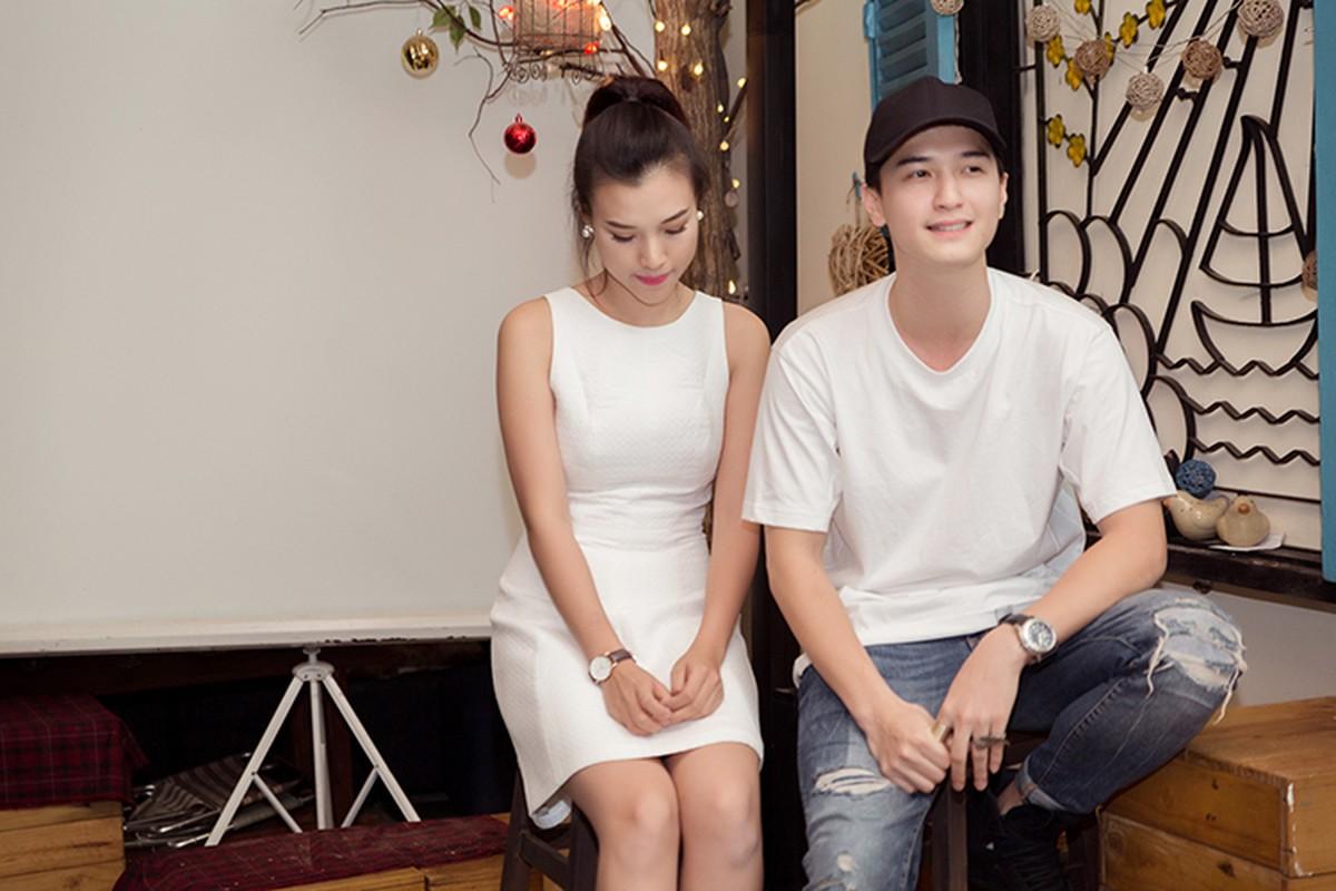 A hau Hoang Oanh lan dau ke ve bien co gia dinh-Hinh-2
