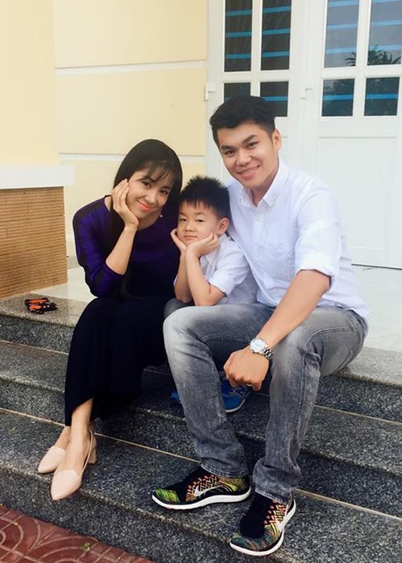 Le Phuong va ban trai kem tuoi ngay cang dinh nhu sam-Hinh-8