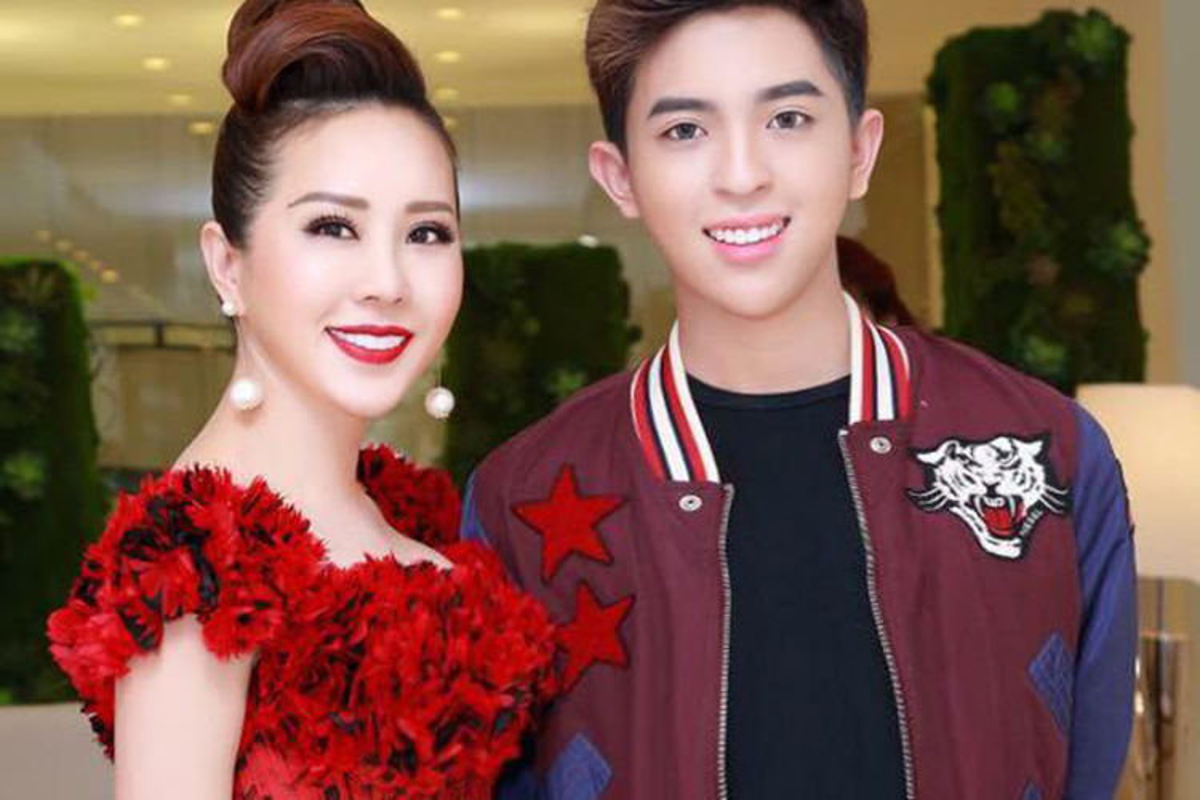 Chan dung con trai dong tinh dien trai cua HH Thu Hoai-Hinh-5