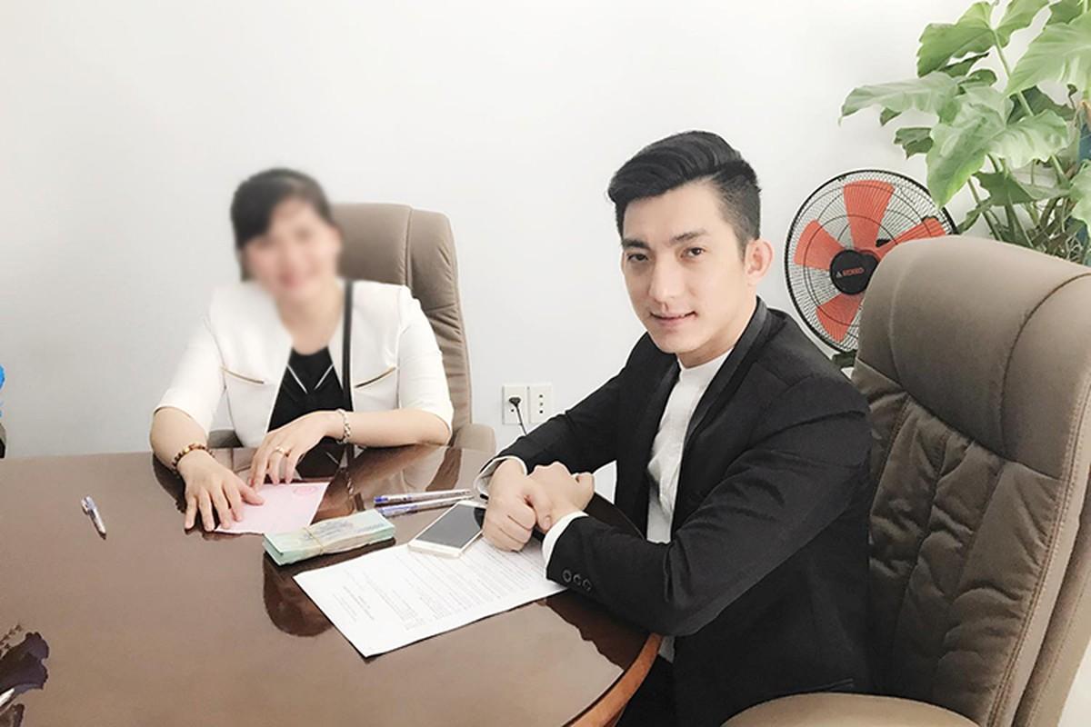 Chong cu Phi Thanh Van tau xe sang sau khi ly hon