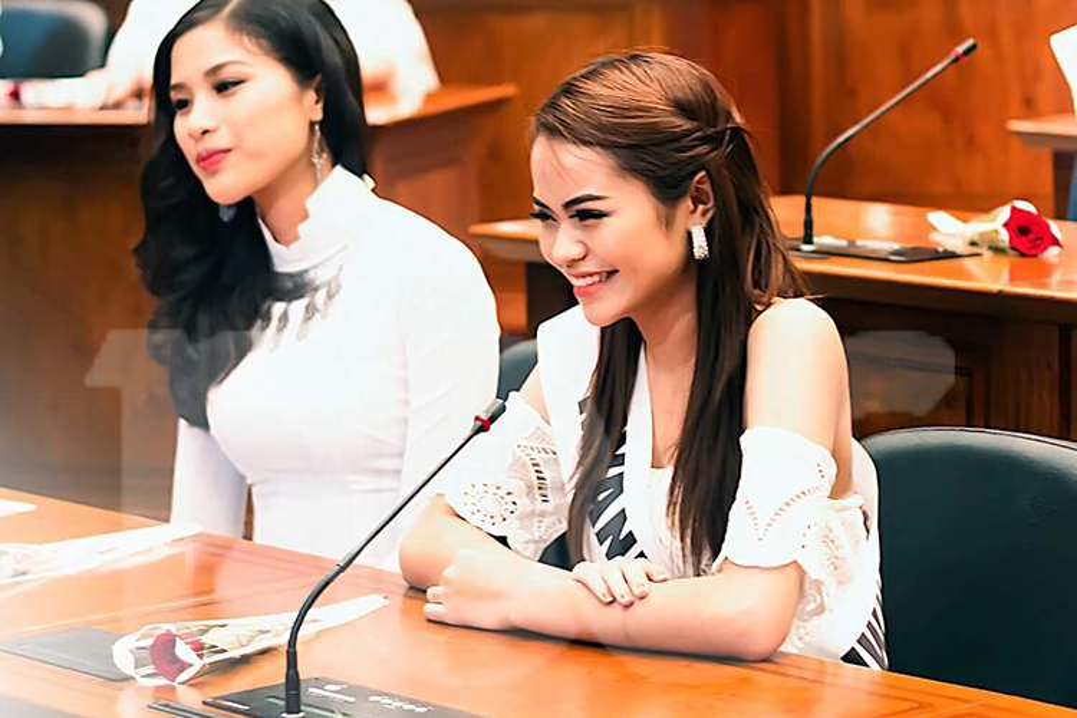 Ngam nhan sac ban cung phong cua Nguyen Thi Thanh