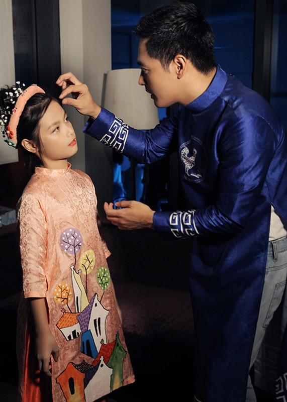 MC Phan Anh an can cham soc con gai lam mau nhi-Hinh-2