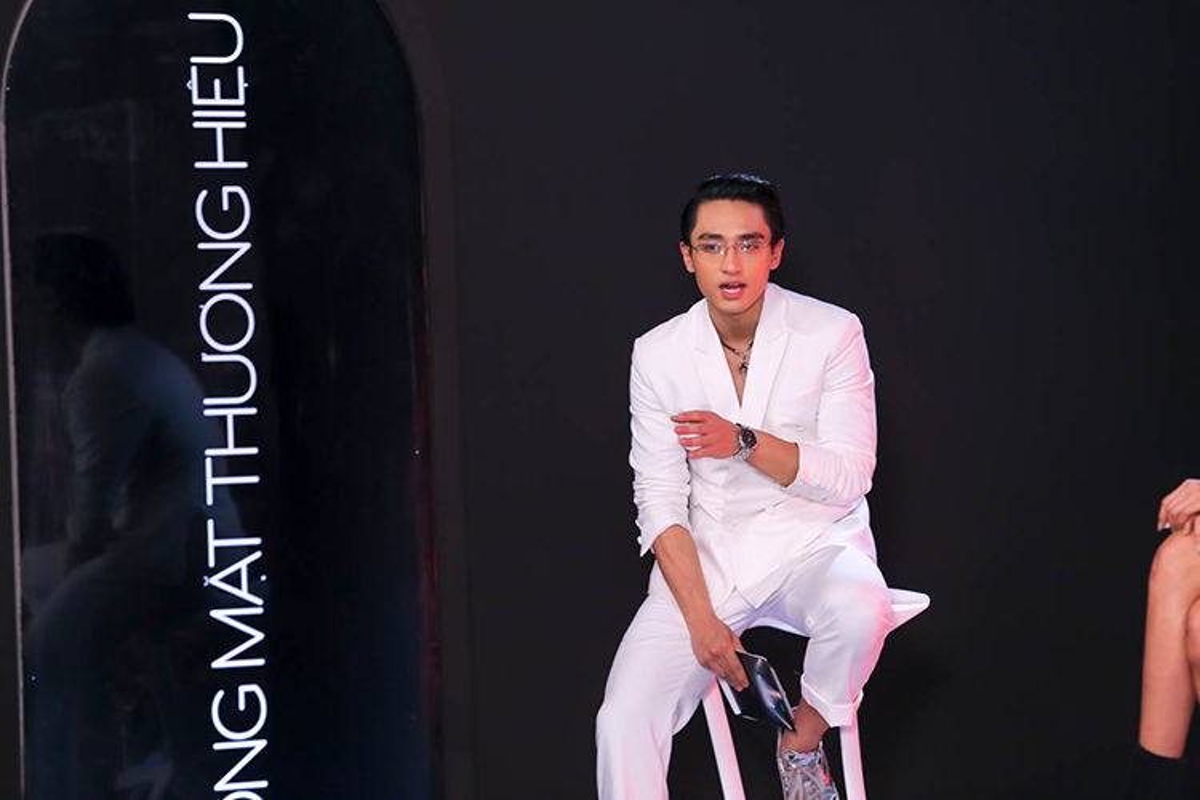 Soi su nghiep cua Huu Vi truoc khi lam host The Face 2017