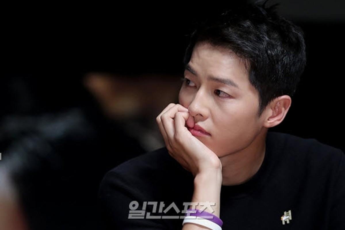 Song Hye Kyo noi gi ve tin don qua dem voi Song Joong Ki?-Hinh-4