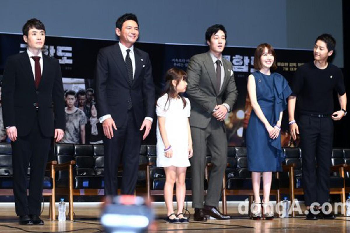 Song Hye Kyo noi gi ve tin don qua dem voi Song Joong Ki?-Hinh-5
