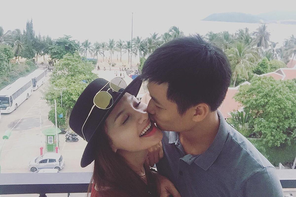 Anh Bao Thanh hanh phuc ben chong truoc on ao tha thinh-Hinh-3