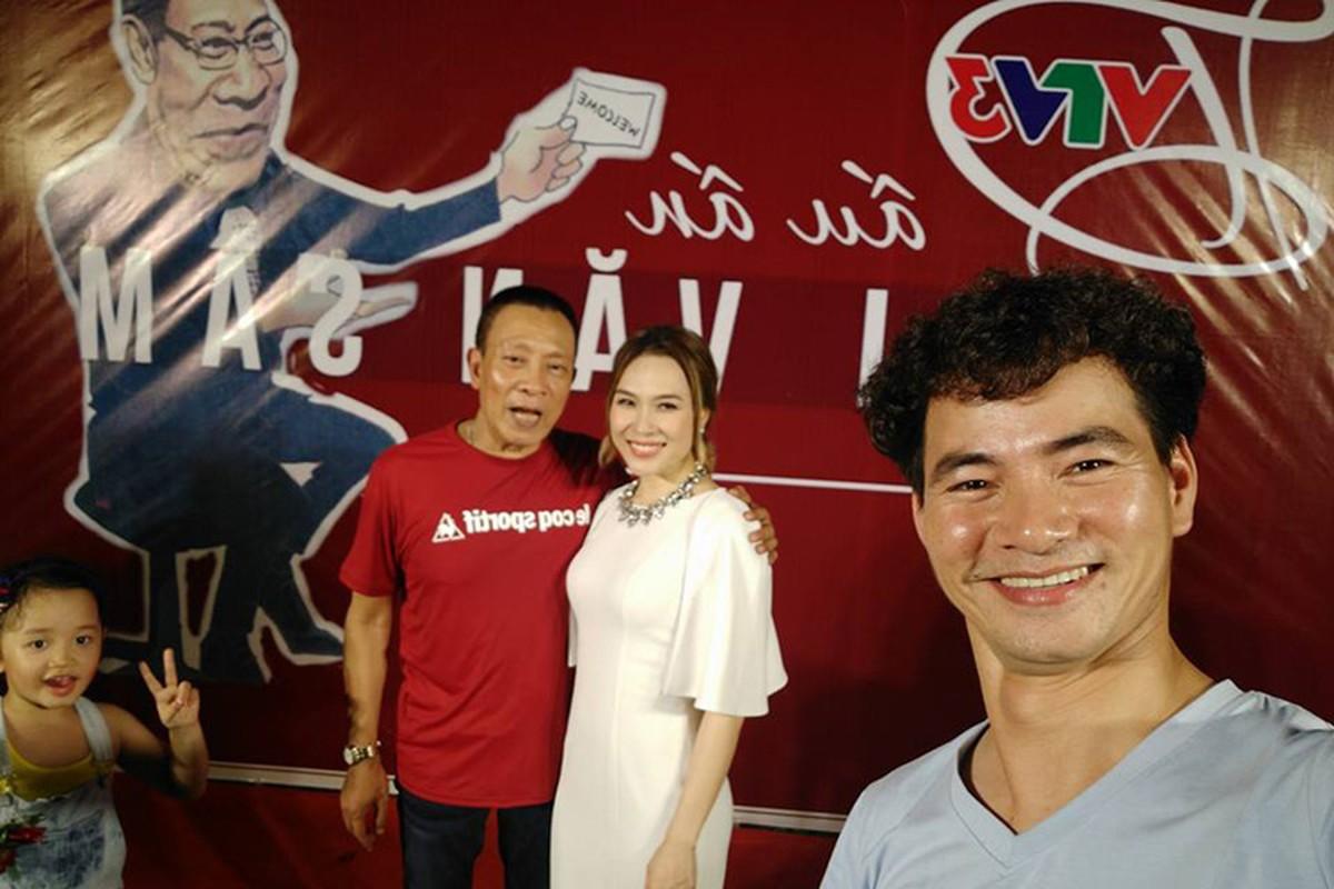 Nha bao Lai Van Sam vui het co tai tiec chia tay VTV