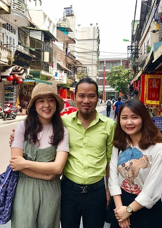 Hot Face sao Viet 24h: Ngoc Trinh chi 2 ty mua sam mung sinh nhat-Hinh-11