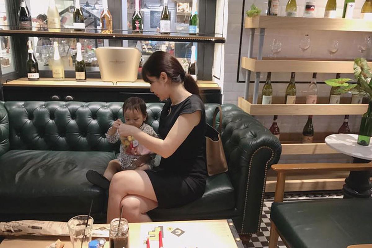 Hot Face sao Viet 24h: Ngoc Trinh chi 2 ty mua sam mung sinh nhat-Hinh-4