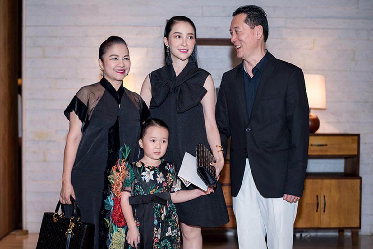 Vo chong Ha Tang, Le Quyen du tiec cuoi Dang Thu Thao-Hinh-5