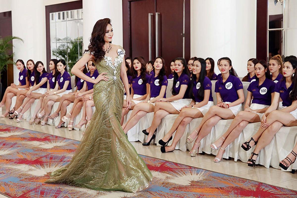 Bat ngo ly do Mau Thuy rot top 8 Hoa hau Hoan vu VN-Hinh-2