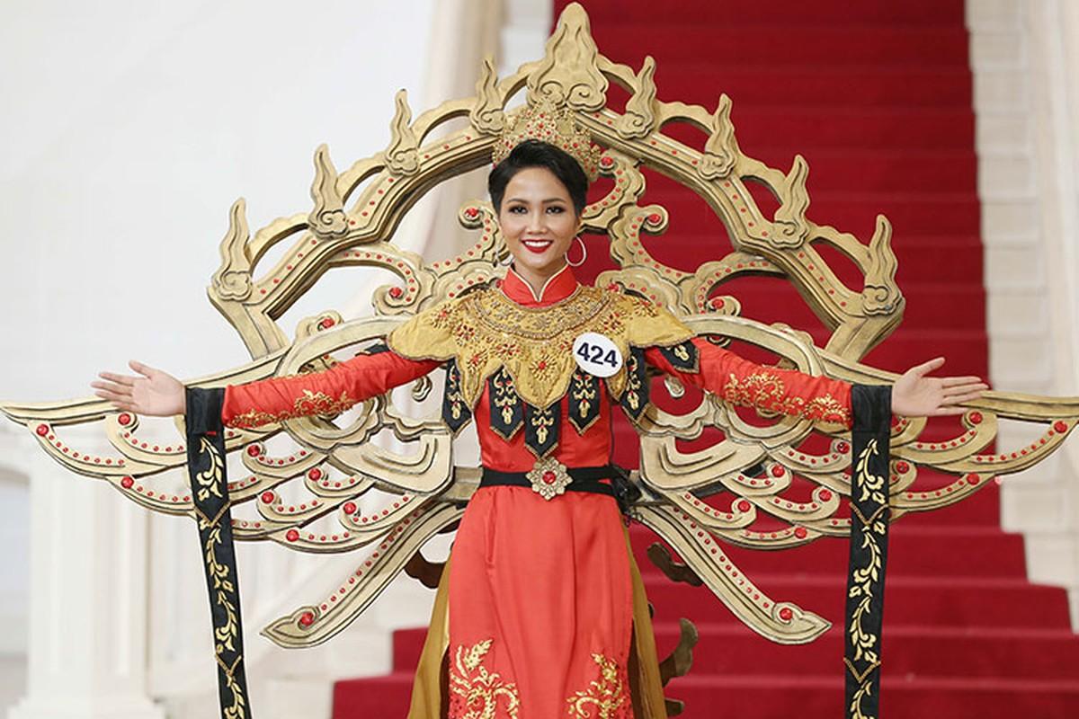 Bat ngo ly do Mau Thuy rot top 8 Hoa hau Hoan vu VN-Hinh-7