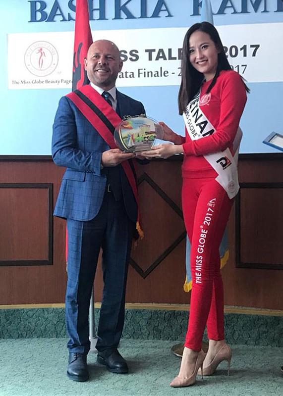Khanh Ngan The Face dang quang Hoa hau Hoan cau 2017-Hinh-11