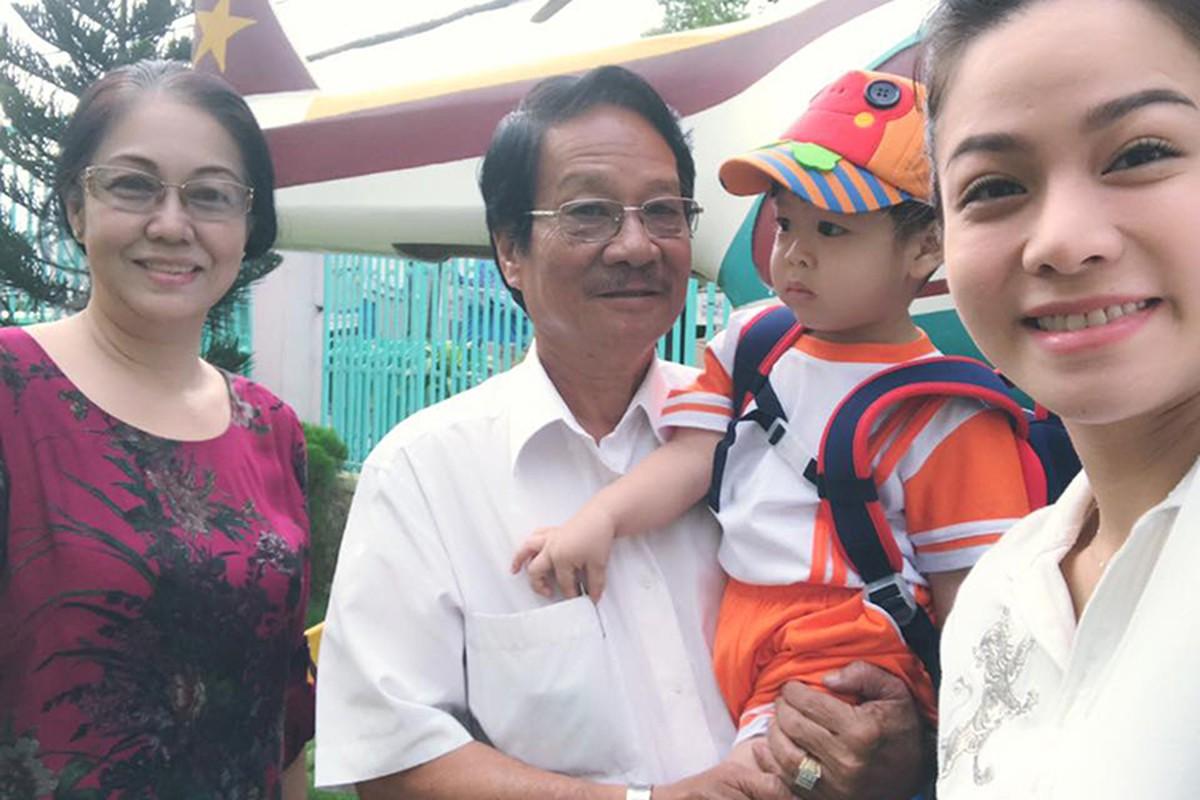 Hot Face sao Viet 24h: Oc Thanh Van vui ve ben con giua on ao-Hinh-10