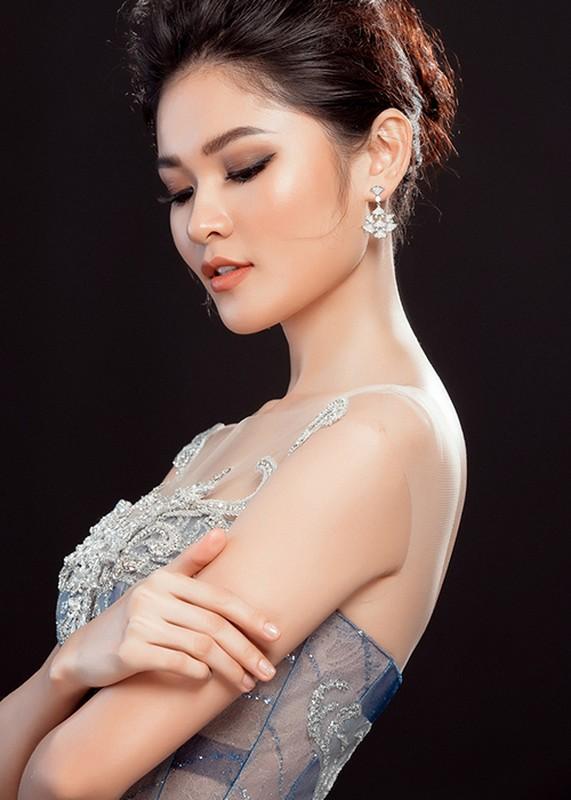 Ngam vay da hoi cua Thuy Dung o chung ket Hoa hau Quoc te-Hinh-2