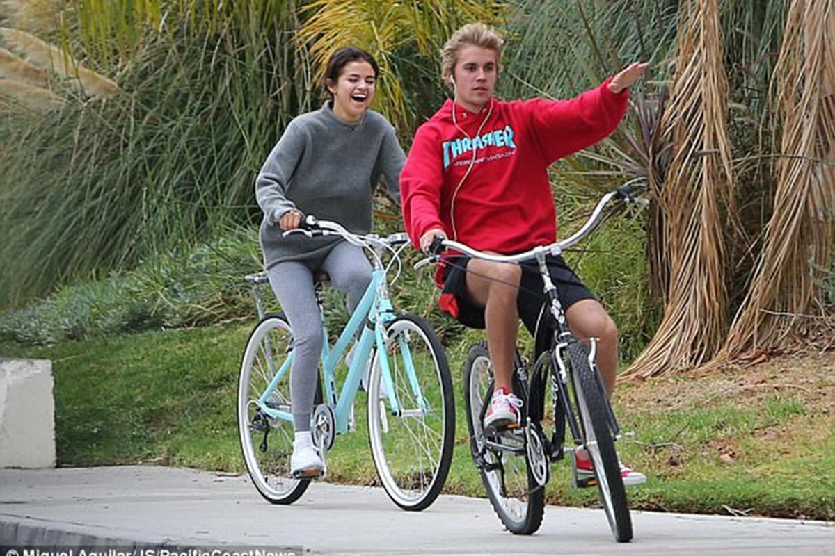 Selena Gomez va Justin Bieber chia tay roi tai hop chong mat-Hinh-13