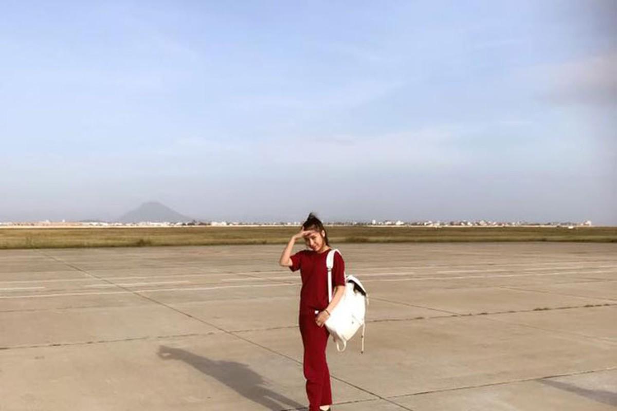 Hot Face sao Viet 24h: Angela Phuong Trinh tuoi roi giua on ao-Hinh-11