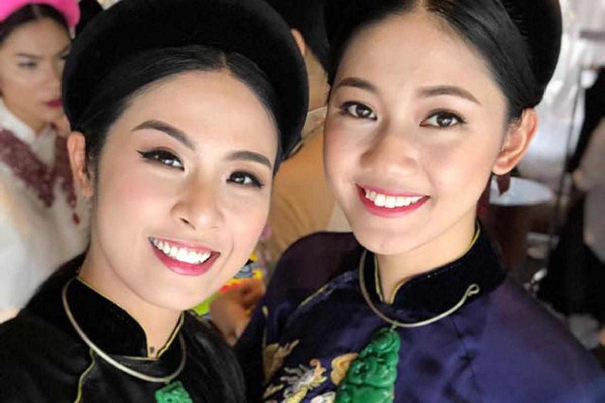 Hot Face sao Viet 24h: Angela Phuong Trinh tuoi roi giua on ao-Hinh-13