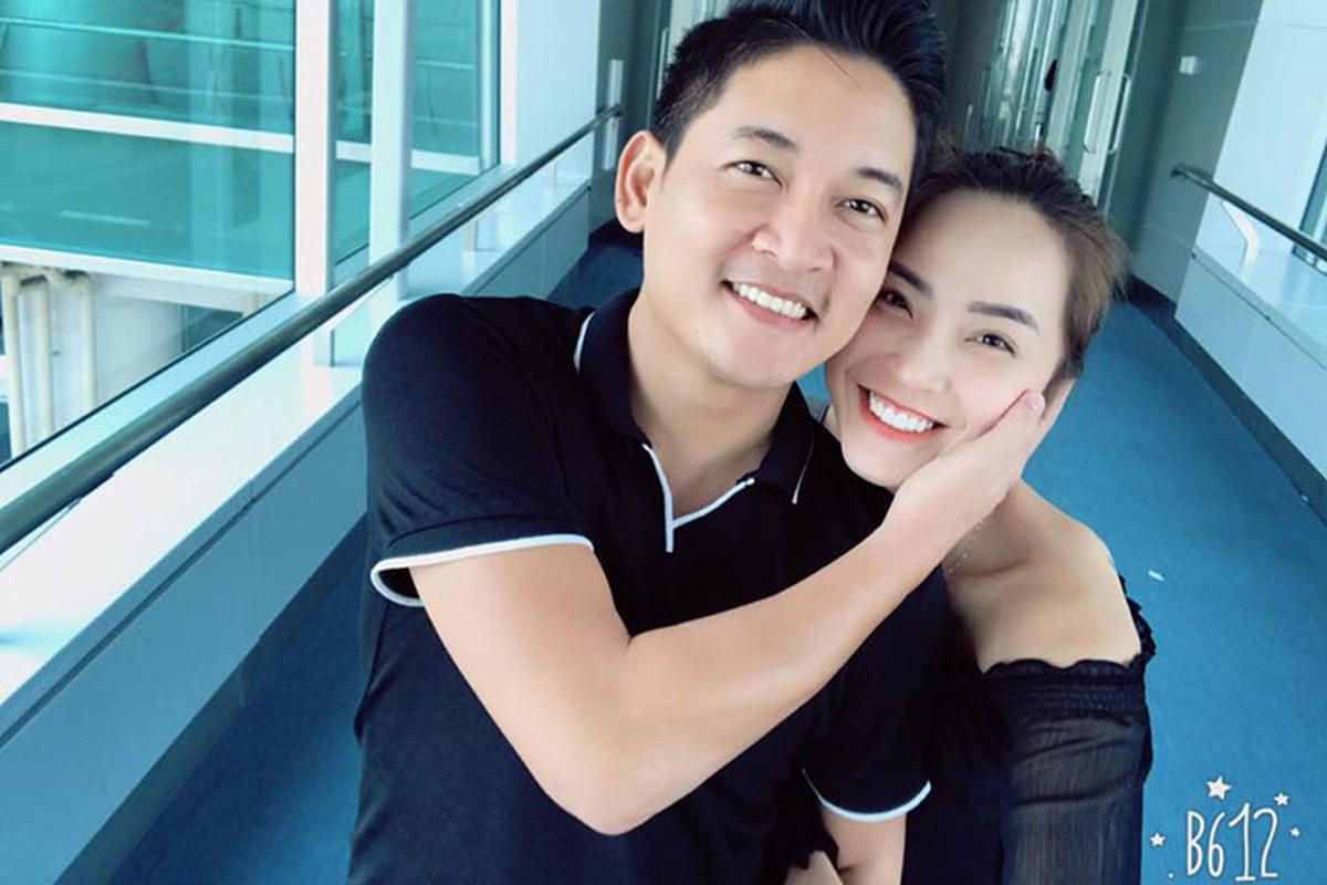 Hot Face sao Viet 24h: Angela Phuong Trinh tuoi roi giua on ao-Hinh-14