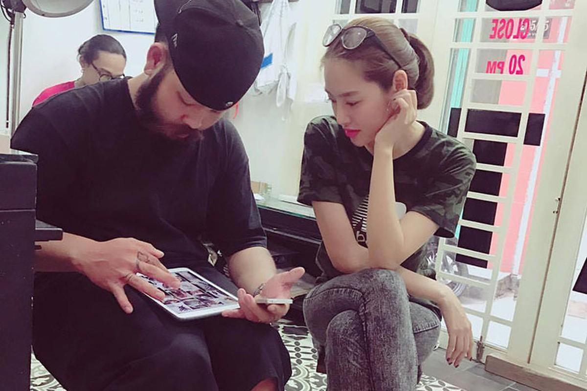Hot Face sao Viet 24h: Angela Phuong Trinh tuoi roi giua on ao-Hinh-7