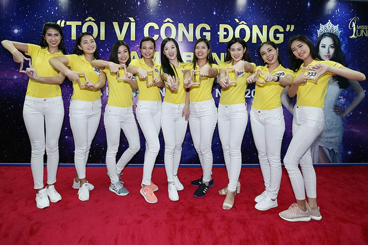 """Soi thi sinh Hoa hau Hoan vu khong biet """"Trung Quoc"""" tieng Anh la gi-Hinh-6"""