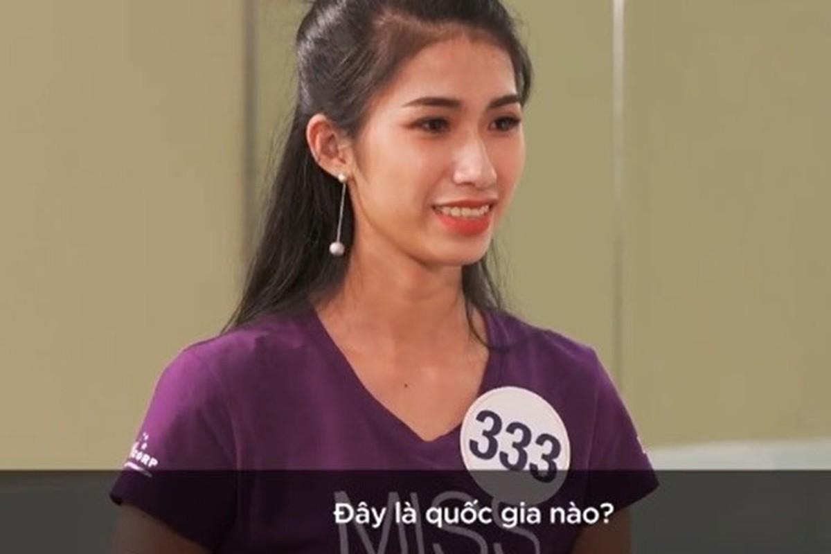 """Soi thi sinh Hoa hau Hoan vu khong biet """"Trung Quoc"""" tieng Anh la gi"""