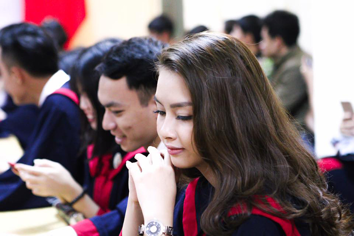 Hot Face sao Viet 24h: Thu Thao khen Thu tuong Canada dep trai hon chong?-Hinh-6