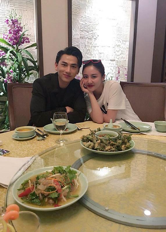 Hot Face sao Viet 24h: Vo chong Ha Tang lai xe sang di choi-Hinh-13
