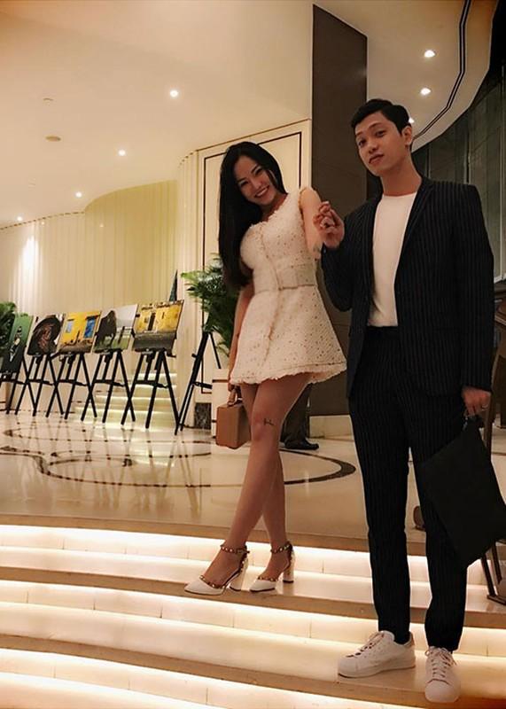 Hot Face sao Viet 24h: Vo chong Ha Tang lai xe sang di choi-Hinh-6