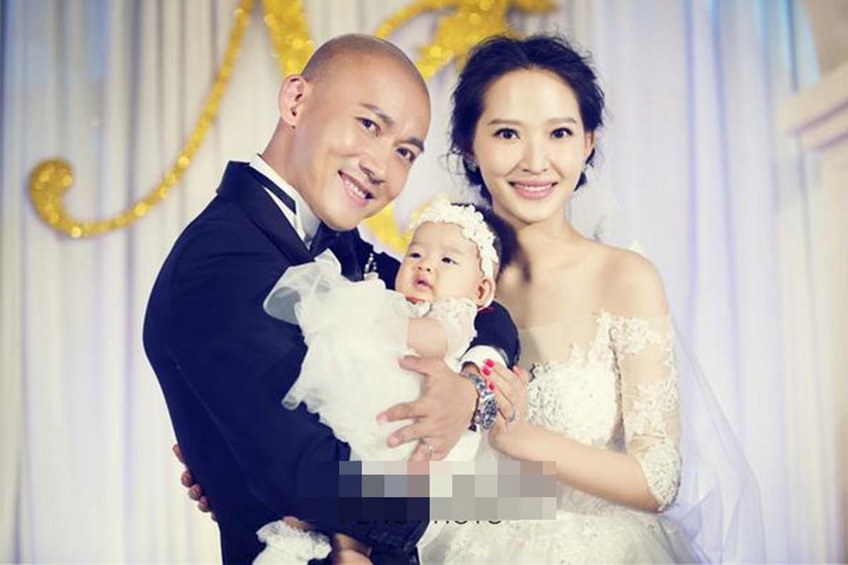 "Nhan sac hai nguoi vo cua nam chinh phim ""Dien Hi Cong Luoc""-Hinh-9"