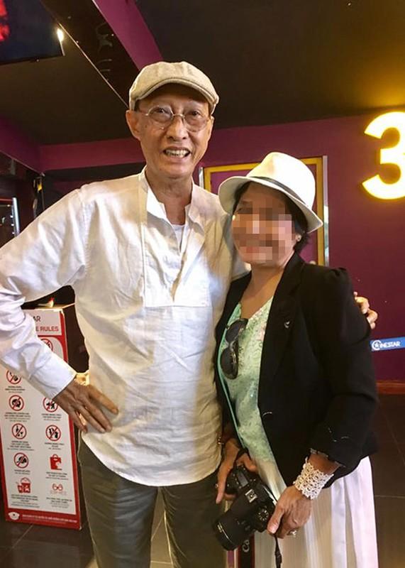 Nghe si Le Binh tuoi tan di xem phim cung dong nghiep-Hinh-4