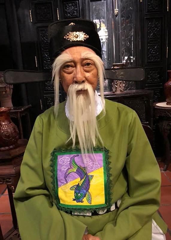 Nghe si Le Binh tuoi tan di xem phim cung dong nghiep-Hinh-7