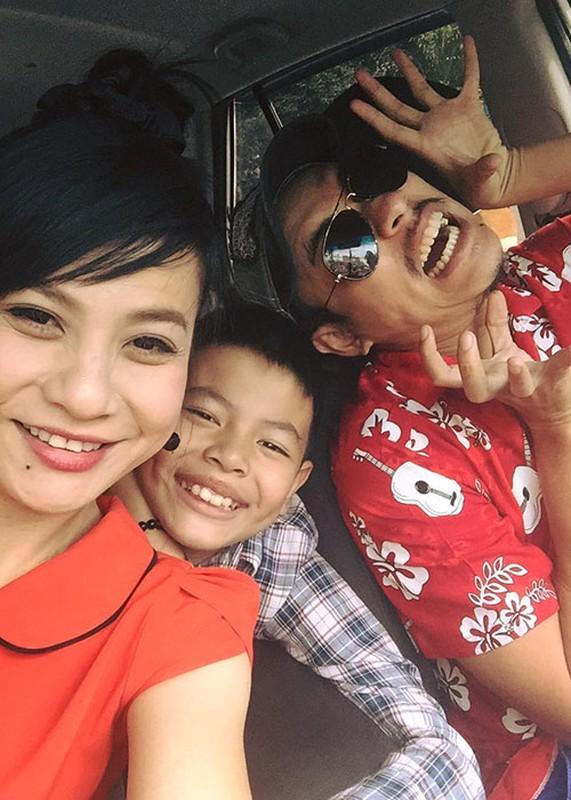 Khoanh khac dang yeu cua Cat Phuong ben con trai-Hinh-12