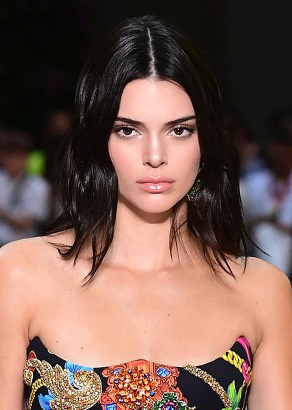 Kendall Jenner dinh nhieu scandal truoc lum xum anh khoa than-Hinh-6