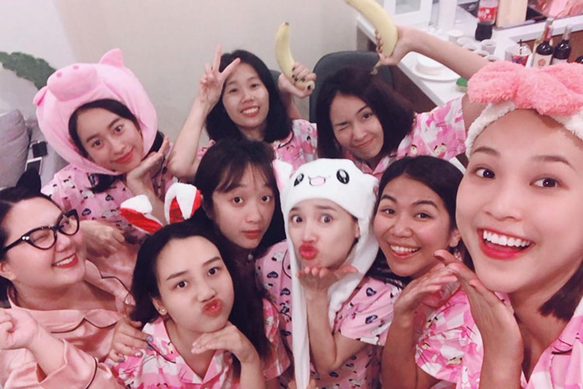 Nha Phuong lai bi soi vong 2 lon bat thuong trong tiec doc than-Hinh-5