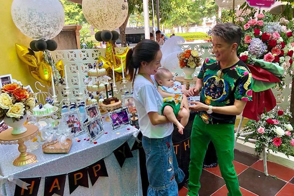Dam Vinh Hung khoe anh duoc fans to chuc sinh nhat nhu tiec cuoi-Hinh-5