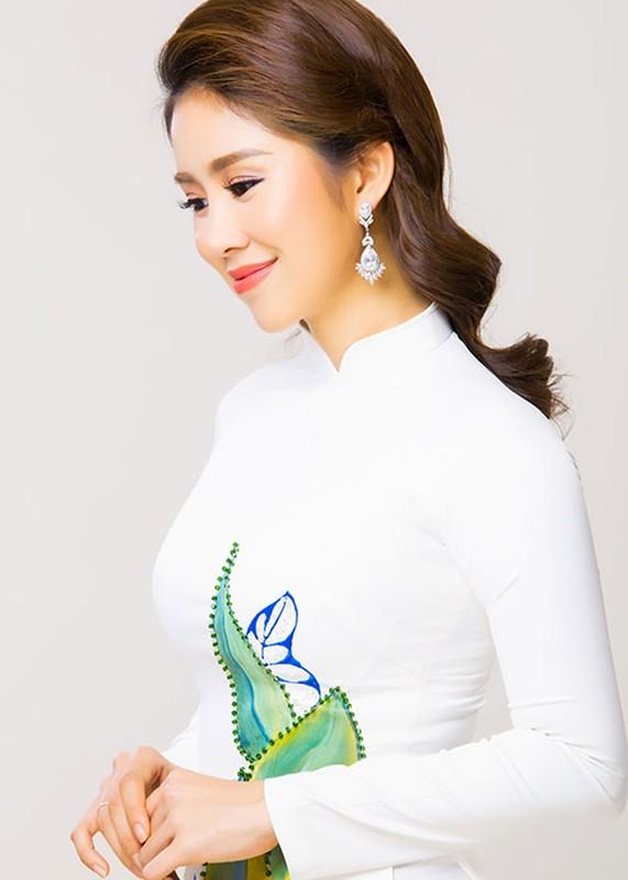Dien vien Le Phuong dep nao long khi dien ao dai-Hinh-2