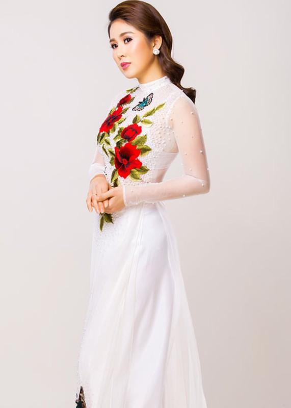 Dien vien Le Phuong dep nao long khi dien ao dai-Hinh-8