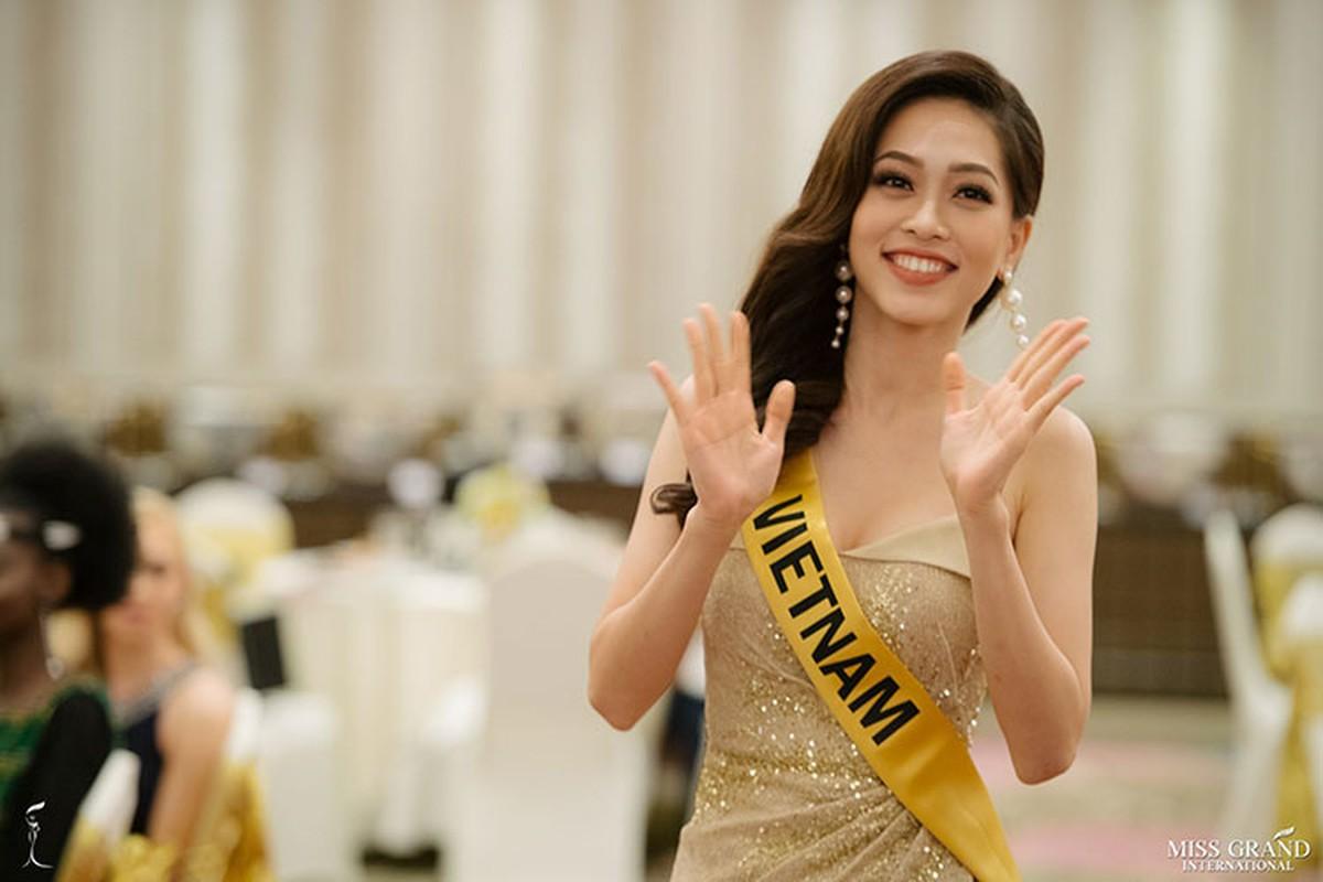 A hau Phuong Nga tro tai ca hat tai Miss Grand International 2018-Hinh-3