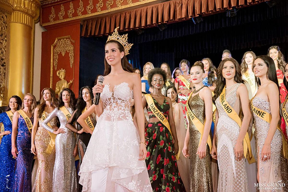 A hau Phuong Nga tro tai ca hat tai Miss Grand International 2018-Hinh-9