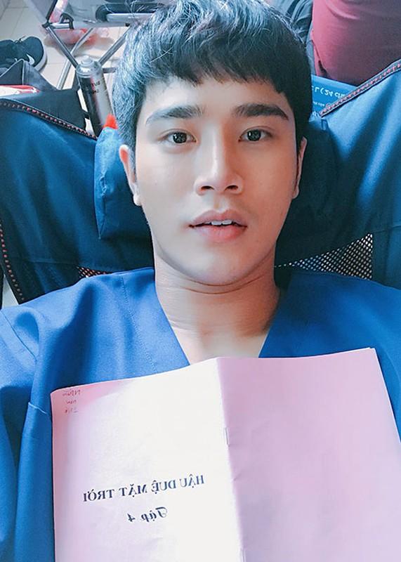 """2 dien vien phu hot khong kem Song Luan trong """"Hau due mat troi""""-Hinh-2"""