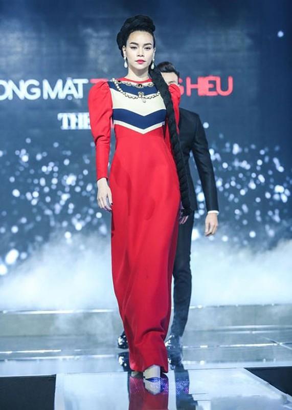 Loat anh catwalk than thai dinh cao cua Ho Ngoc Ha-Hinh-5