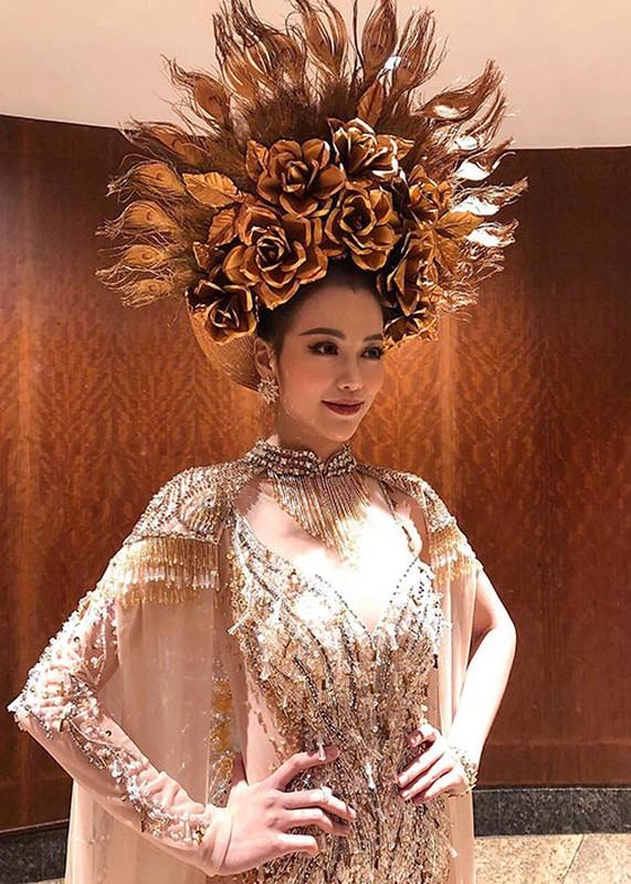 Soi trang phuc dan toc giup Phuong Khanh gianh giai vang Miss Earth-Hinh-5
