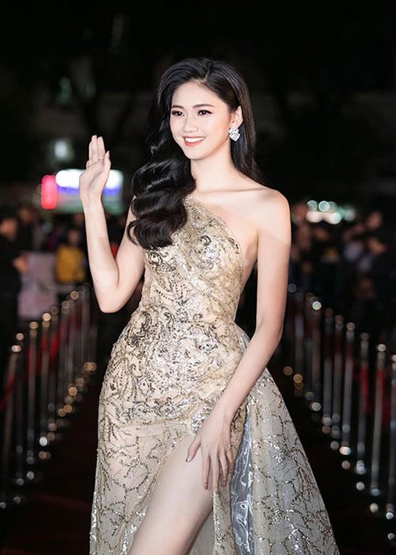 Loat anh goi cam cua A hau Thanh Tu sap cuoi ban trai U40-Hinh-7