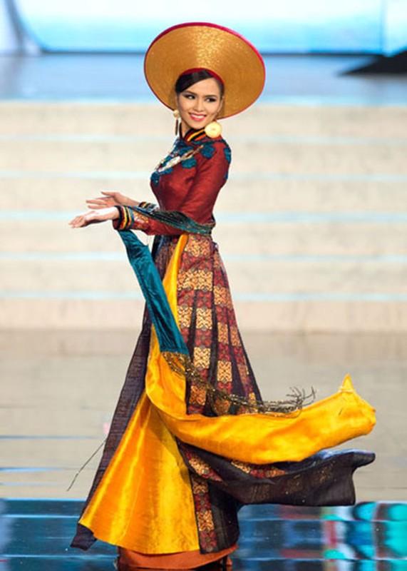 Truoc H'hen Nie dai dien VN mang quoc phuc gi den Miss Universe?-Hinh-7